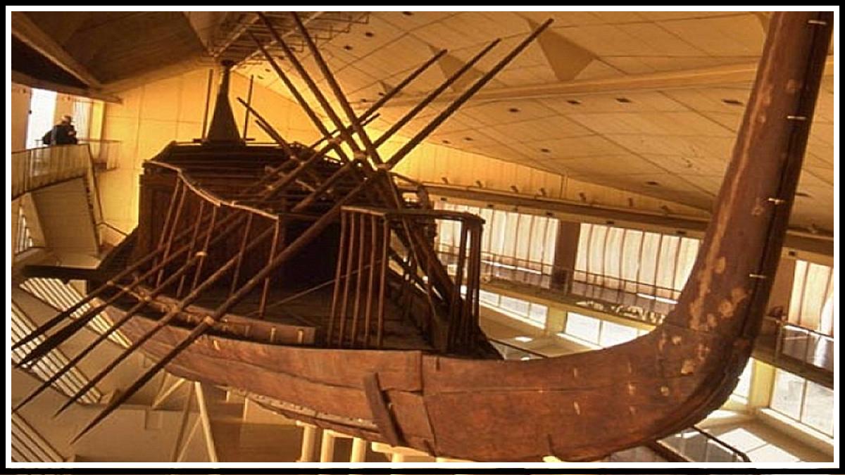 """""""Солнечная лодка"""" и Большой Египетский музей"""